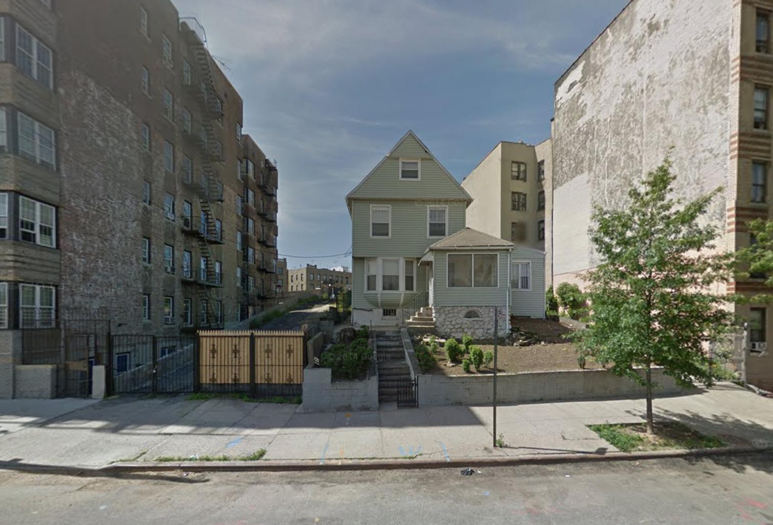 2880 Jerome Avenue, image via Google Maps