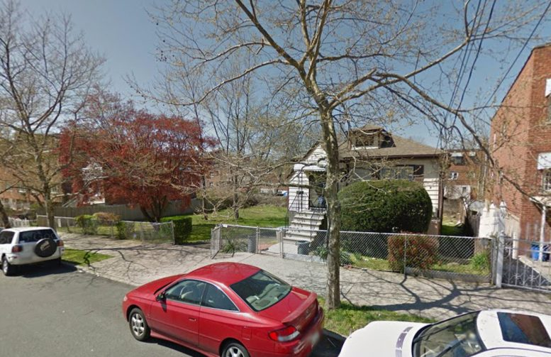 3221 Pearsall Avenue