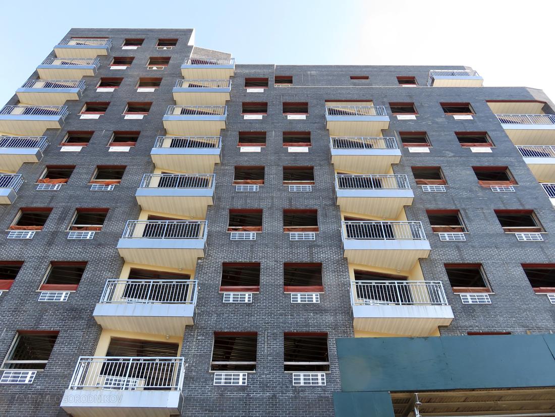 IMG_6248-70-32-Queens-Boulevard-lookingup-facade-small-wmark