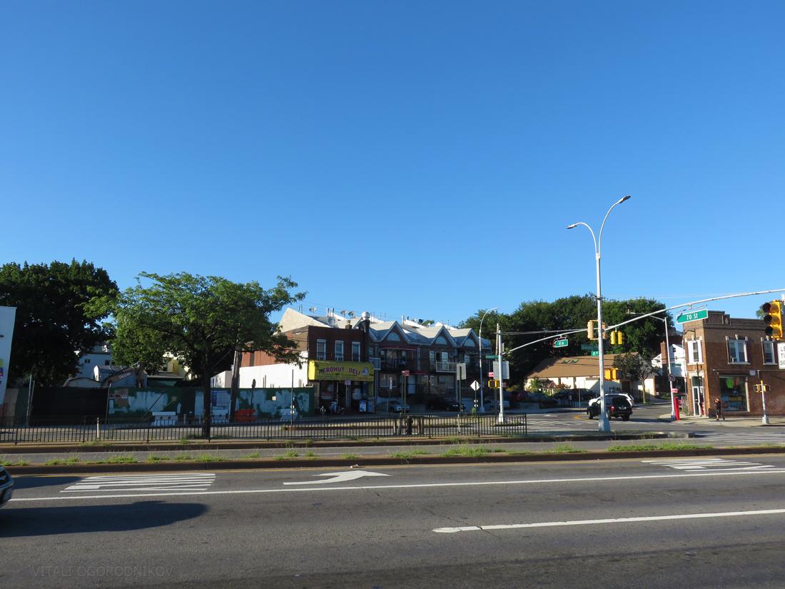 IMG_6305-70-09-45th-Avenue-UC-2016-08-plaza-tothenorth-small-wmark