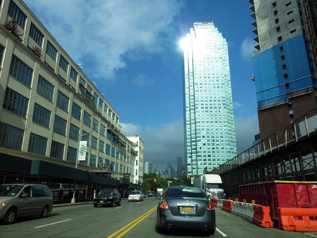 IMG_6561-Thomson-Avenue-tothewest-small-wmark