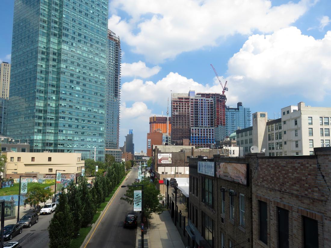 Looking northeast along Jackson Avenue