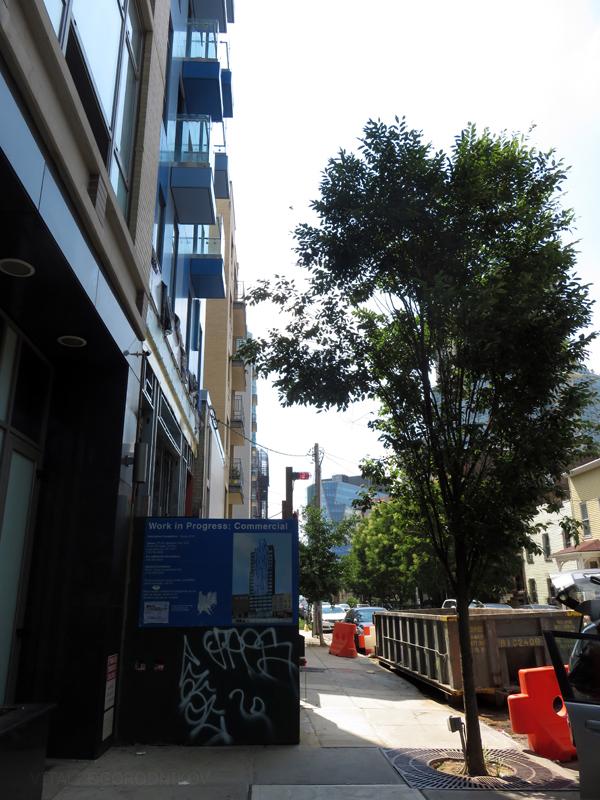 IMG_6771-LIC-Aloft-Hotel-rear-sidewalk-small-wmark