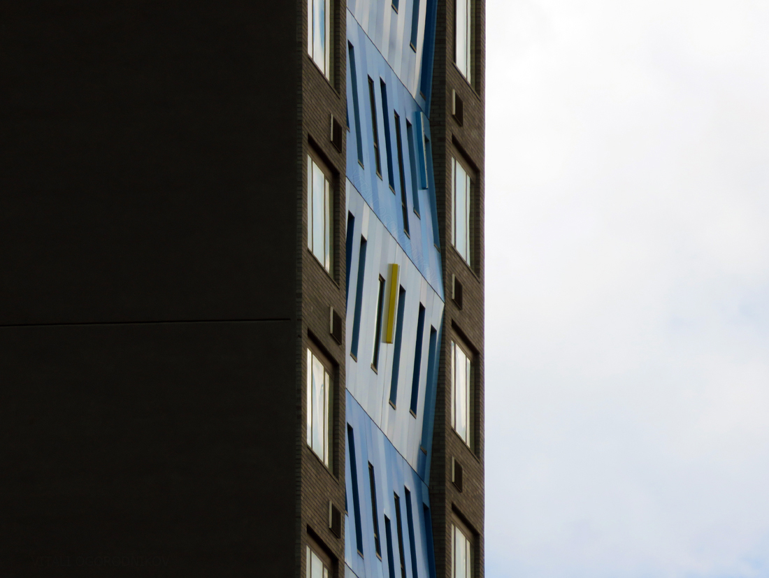 IMG_6888-LIC-Aloft-Hotel-facade-minimalist-small-wmark