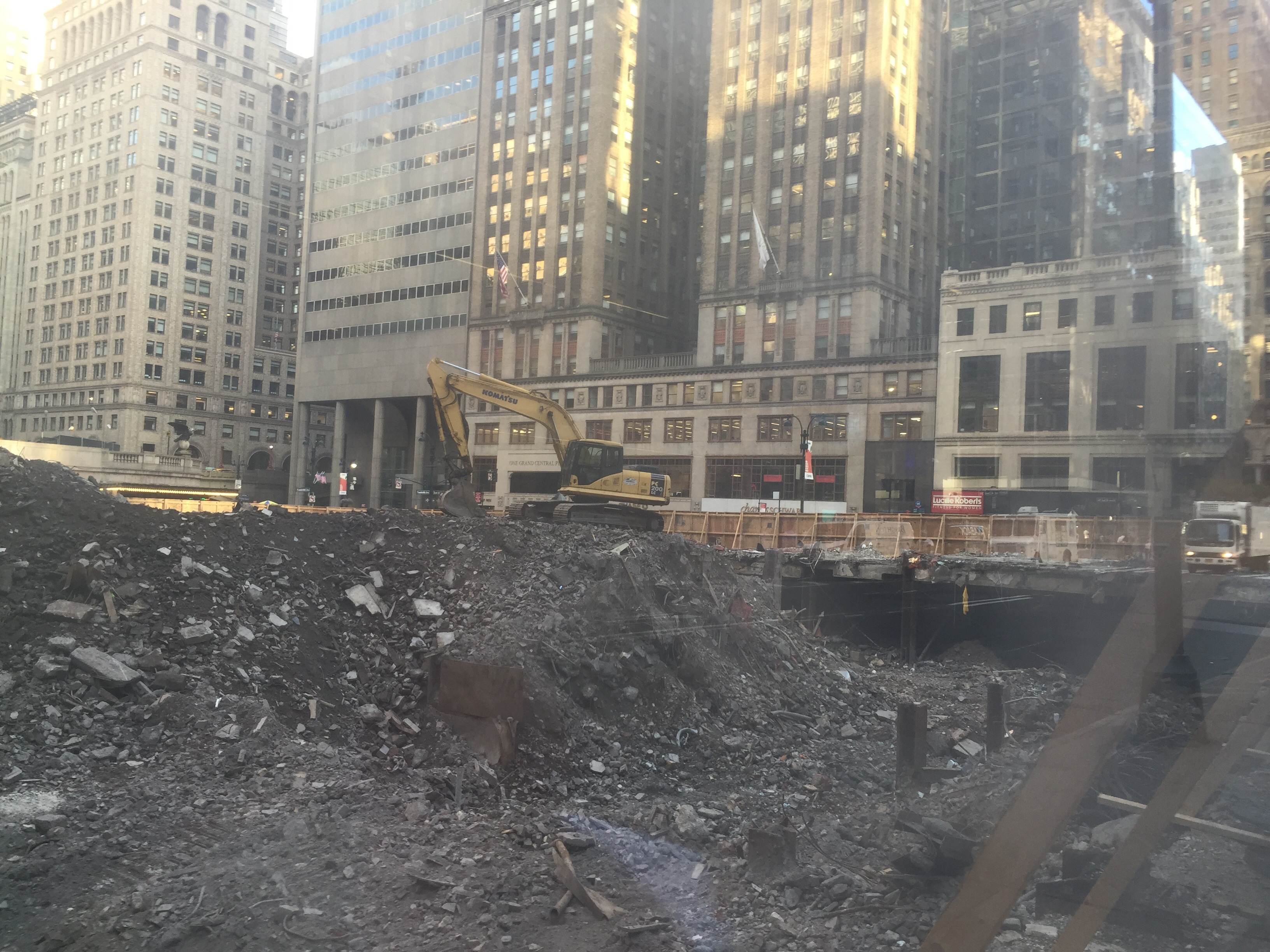 Excavation at One Vanderbilt site, August 15, 2016. Photo by YIMBY Forums user robertwalpole