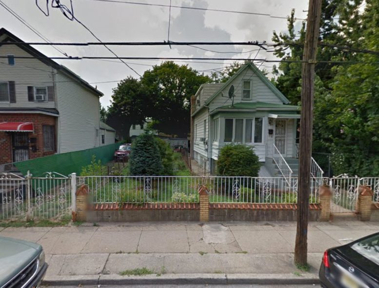 2416 East 15th Street