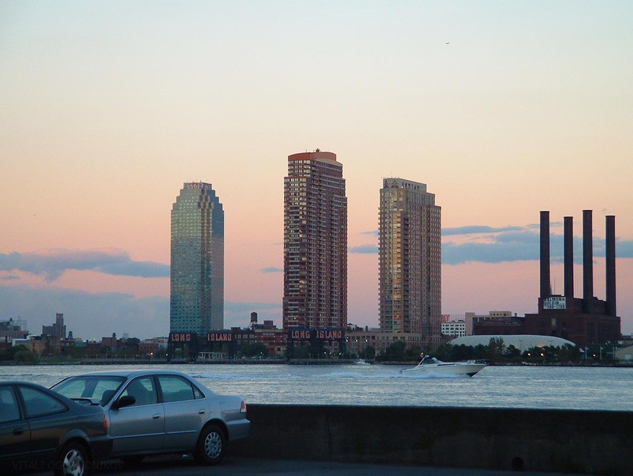 Meet Singles Over 50 in Long Island City NY
