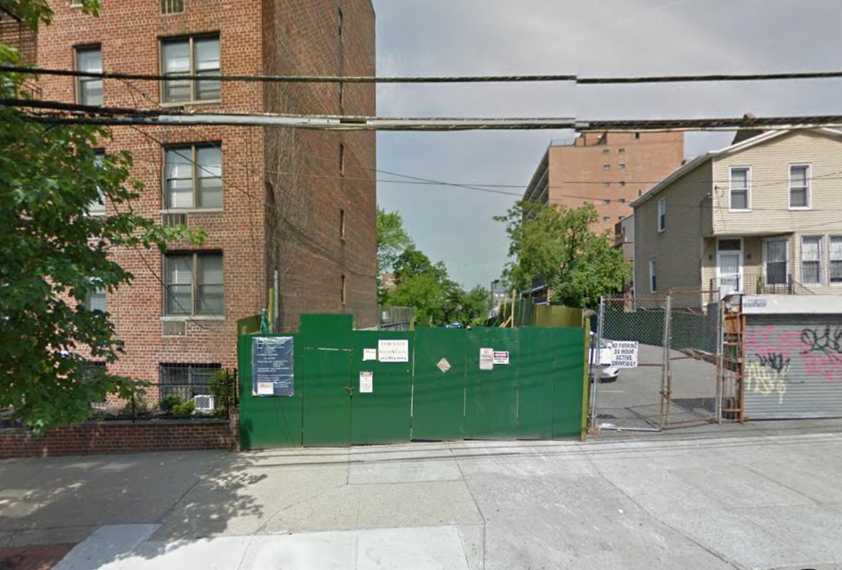 30-48 Crescent Street