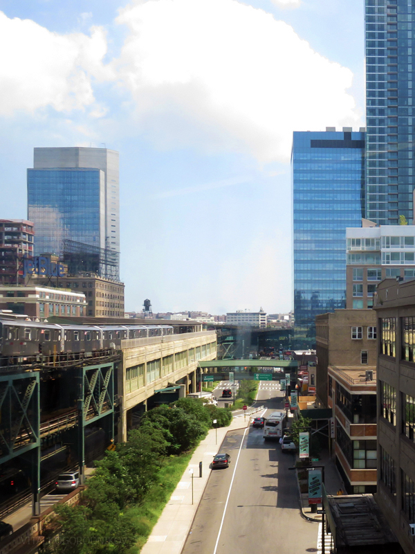 Looking east along Queens Plaza South