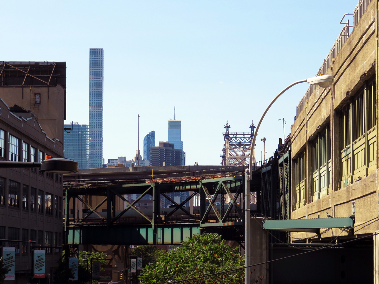 IMG_7818-Queens-Plaza-South-Queensboro-Plaza-Bridge-tothewest-432-Park-Avenue-small