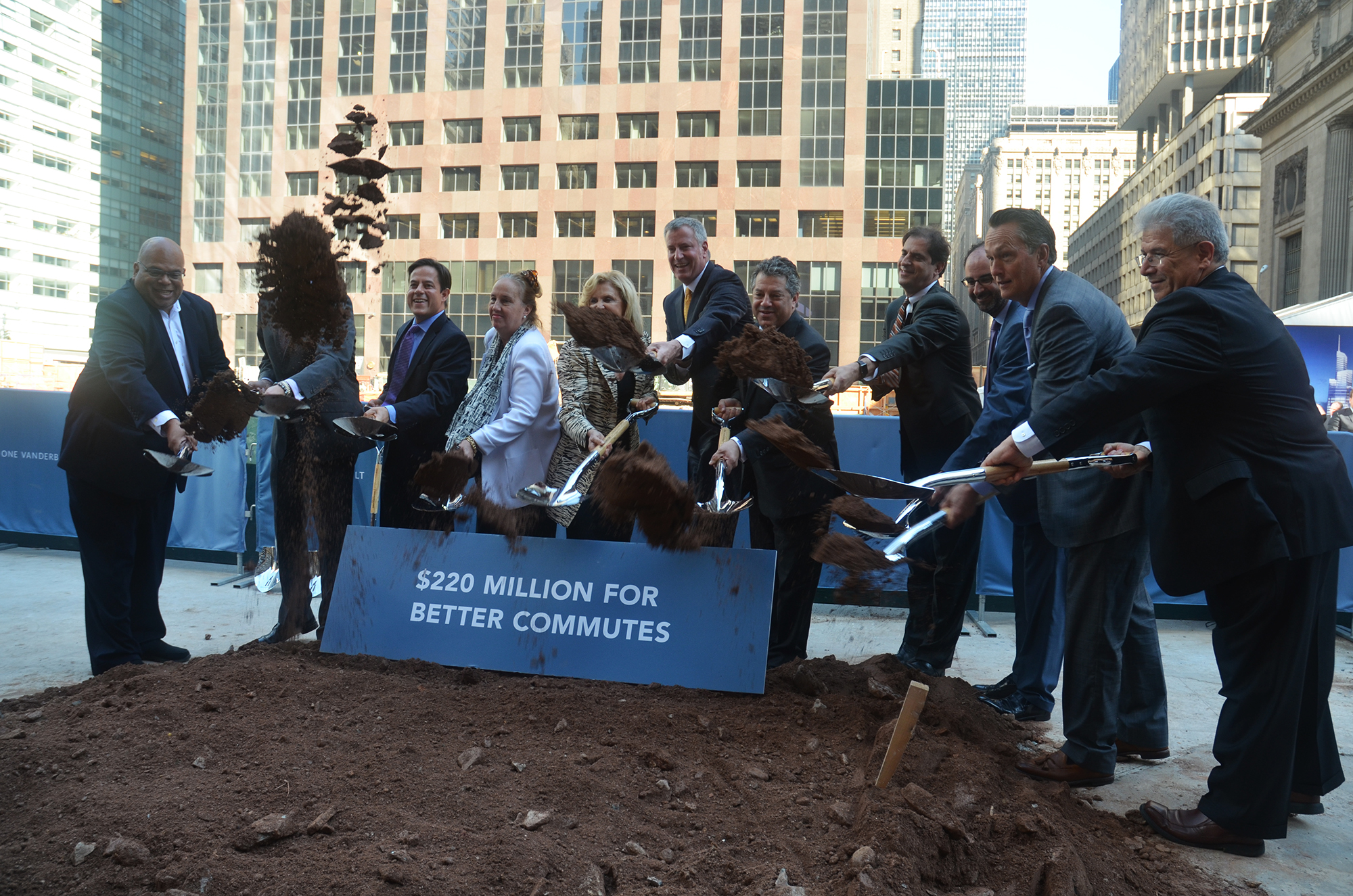 Mayor Bill de Blasio, SL Green's Mark Holliday, and others break ground for One Vanderbilt. All photos by the author