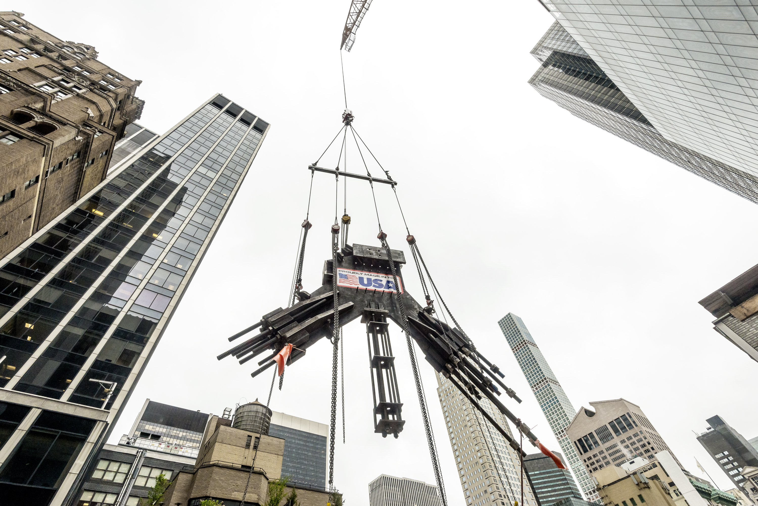 Steel cable node as it is installed on the sixth floor of 53W53. Photo by Giles Ashford