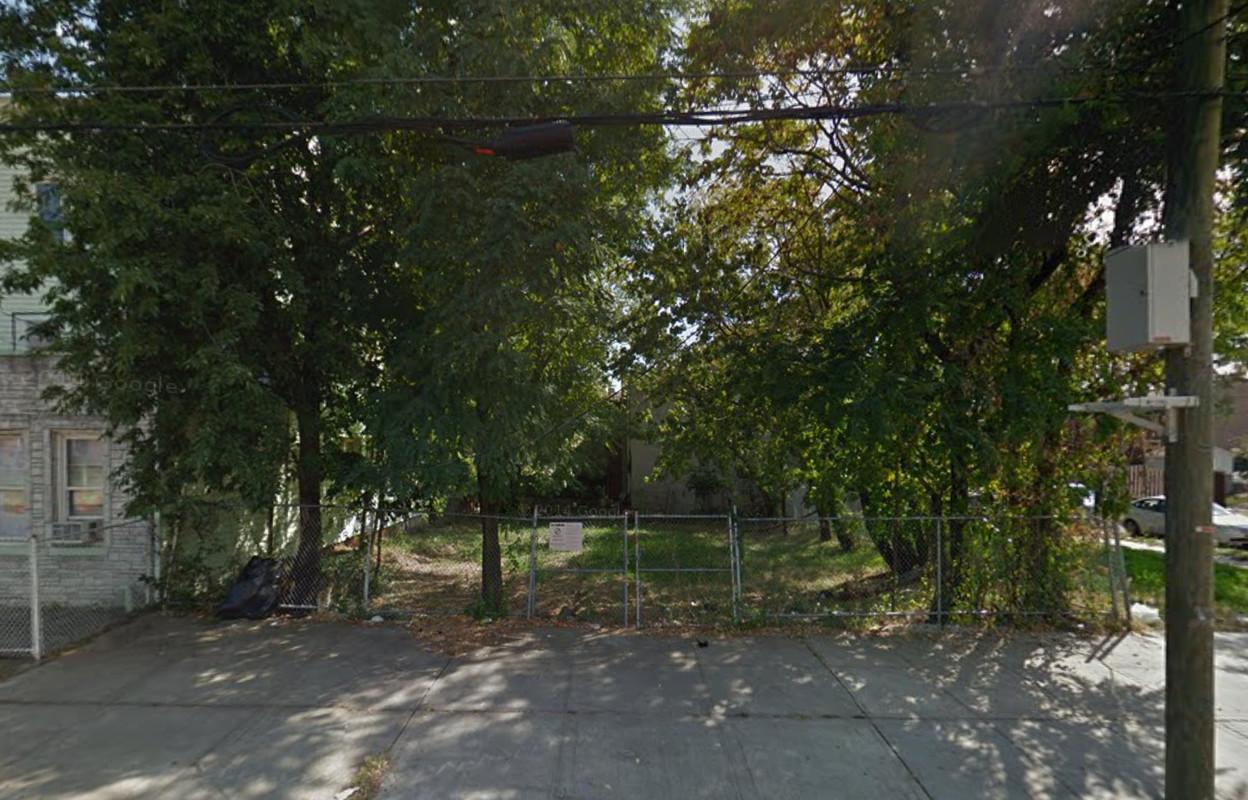 856 Blake Avenue