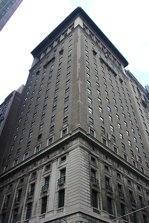The Yale Club at 50 Vanderbilt Avenue. LPC photo