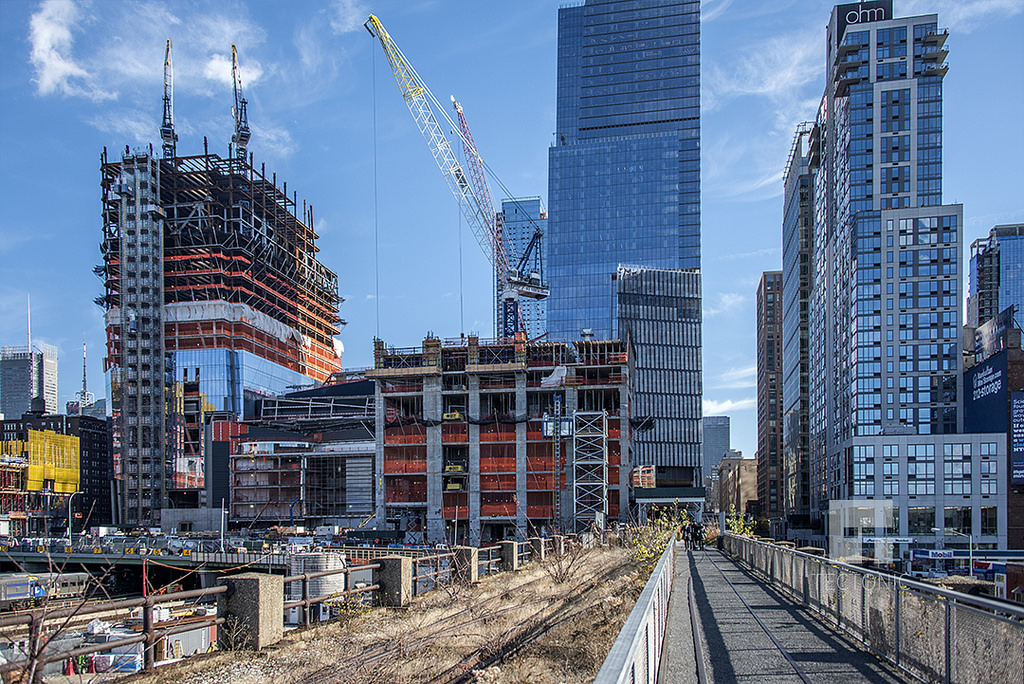 88 Story 391 Unit Residential Tower 15 Hudson Yards Rises