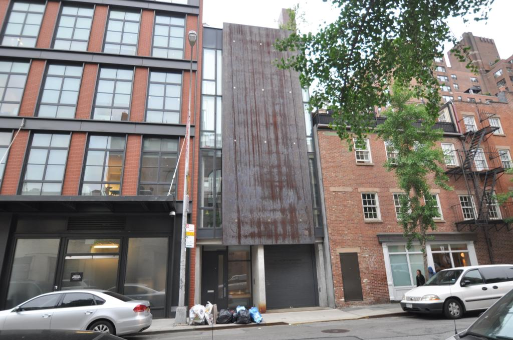 829 Greenwich Street in May of 2014. Photo by Christopher Bride/PropertyShark.