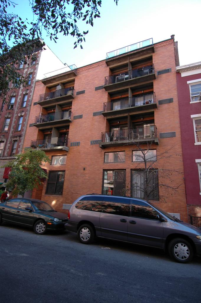 328 West 11th Street in November of 2005. Photo by Kate Leonova/PropertyShark.