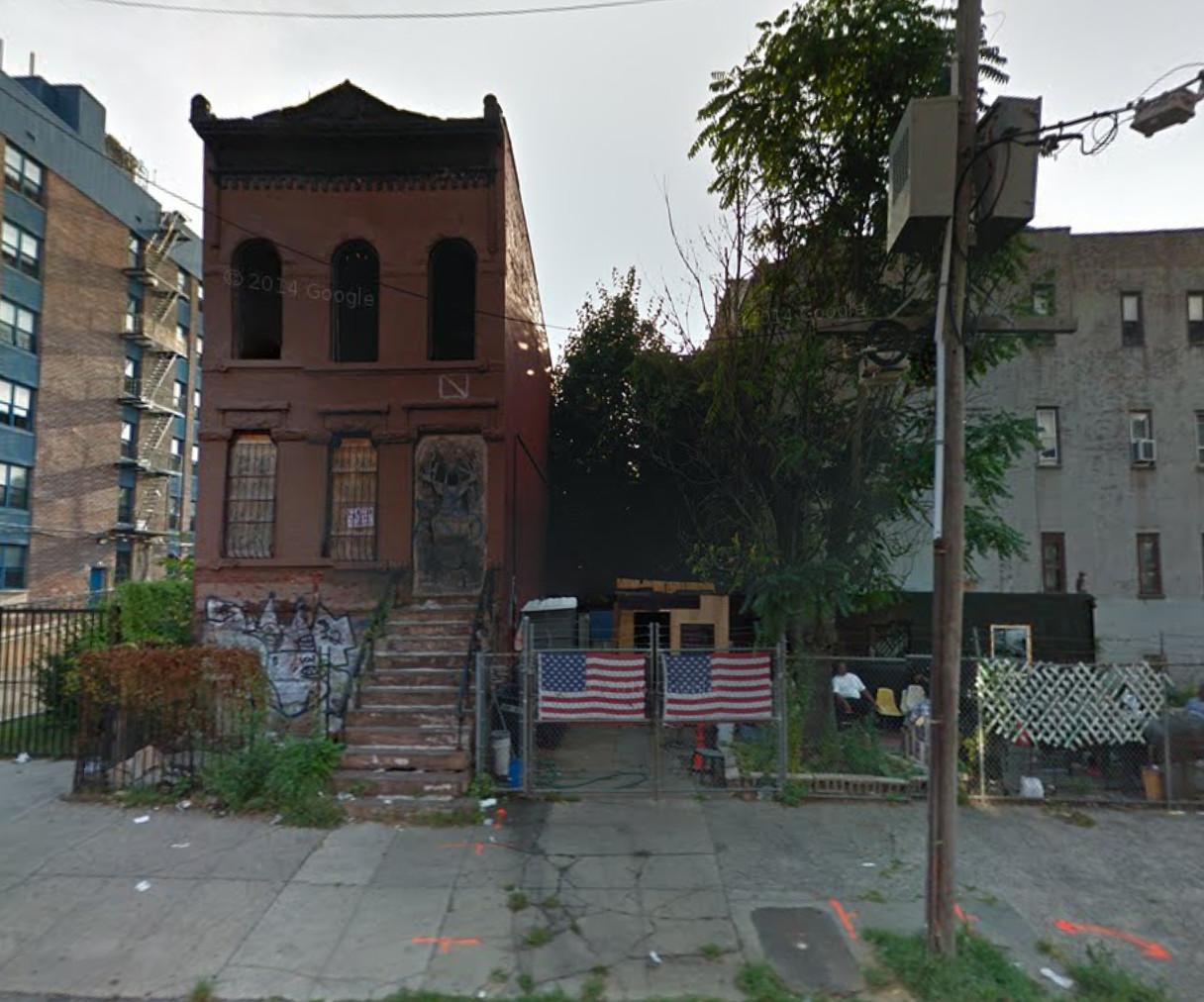 236 Lewis Avenue