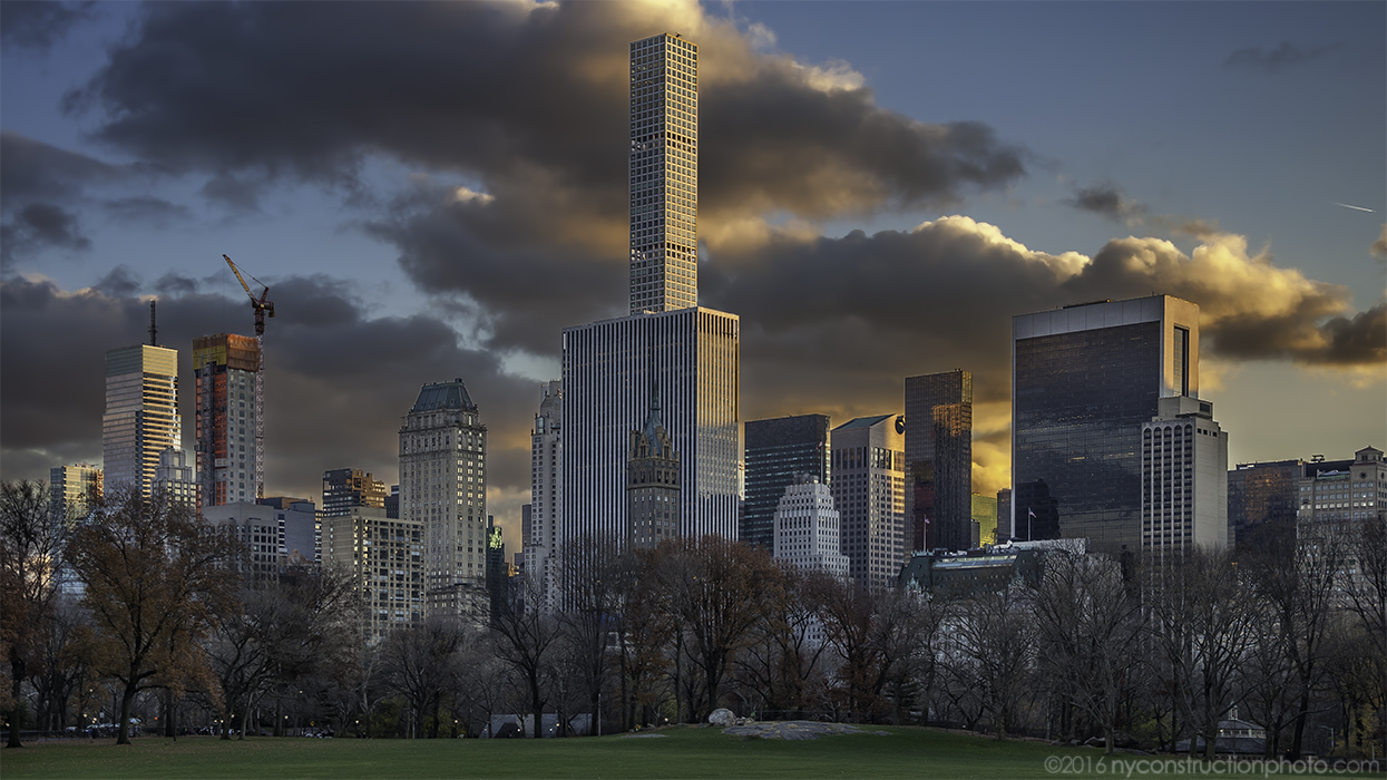 520 Park Avenue on the rise. Photo by ILNY via YIMBY Forums