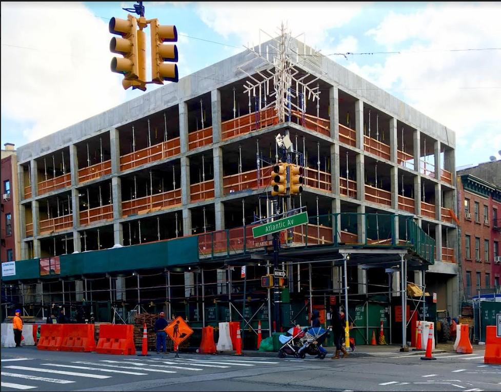 325 Henry Street