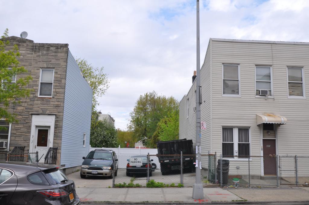 493 Evergreen Avenue