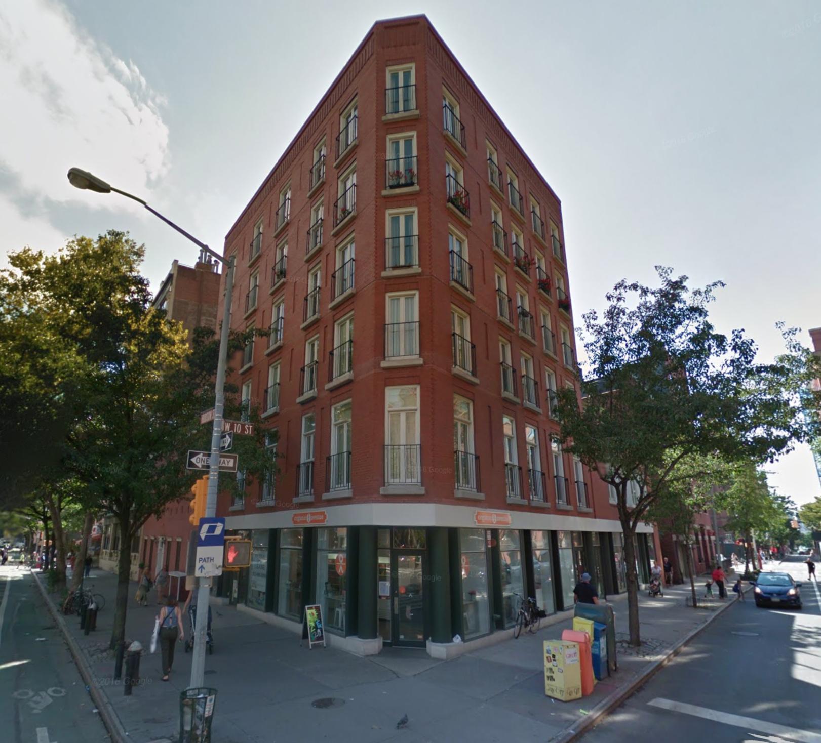 513 Hudson Street in September of 2016. Via Google Maps.