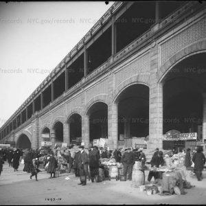 The Queensboro Bridge open air market in 1914
