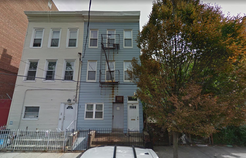 3188 Villa Avenue