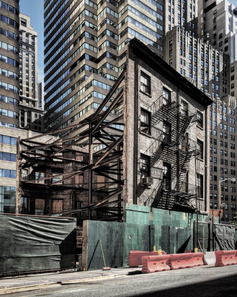 The Robert Anne Dicke House as it stands today while 77 Greenwich Street will rise to the north of the house.