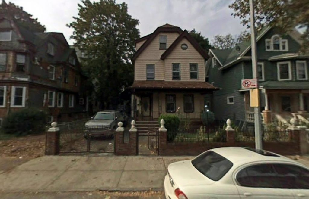 104 Kenilworth Place from 2007, via Google Maps