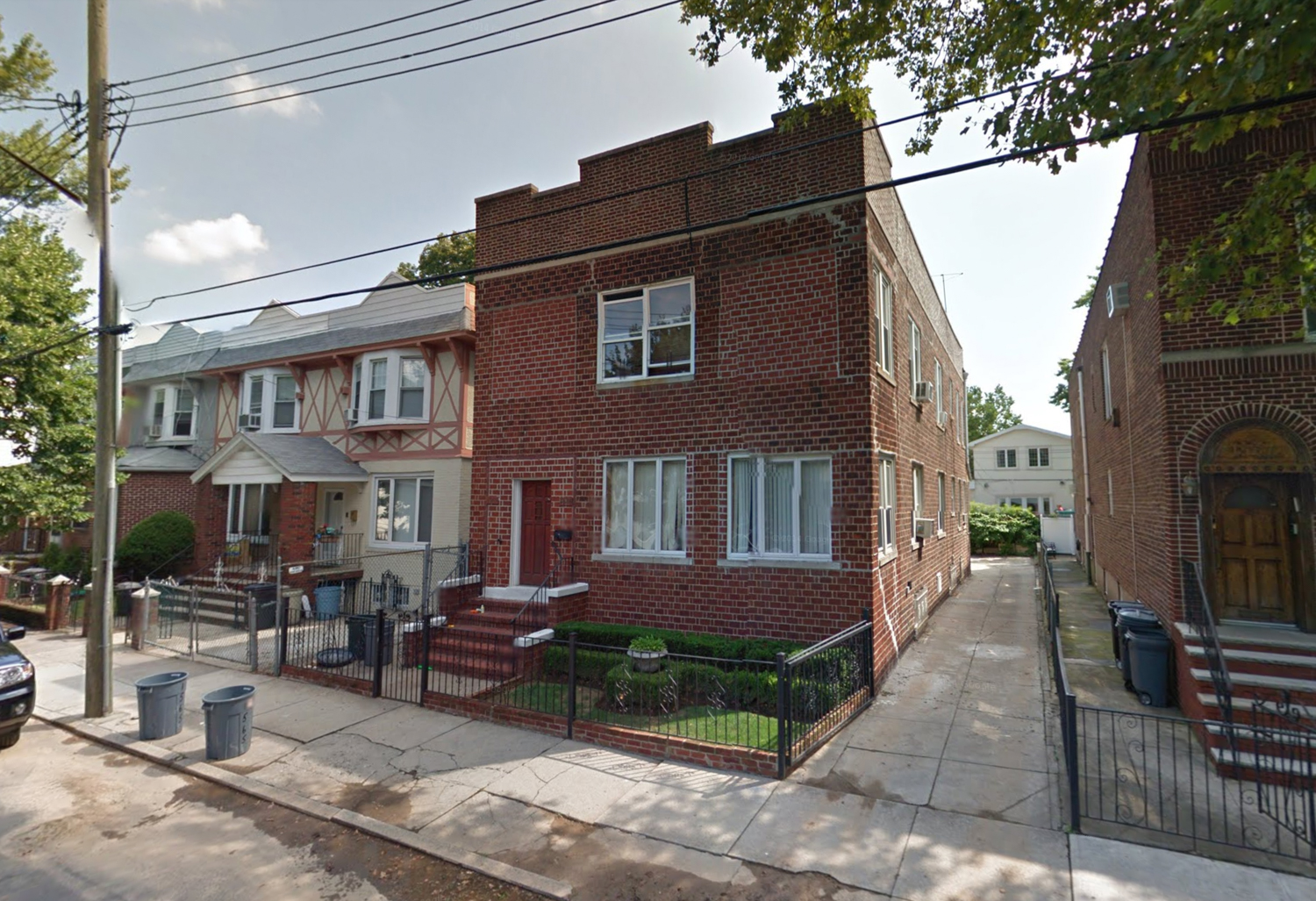 1565 East 9th Street, via Google Maps