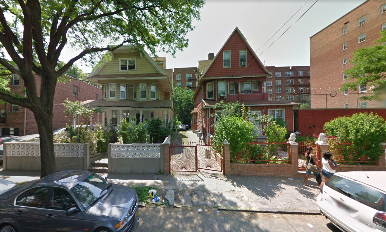762-764 East 32nd Street, via Google Maps