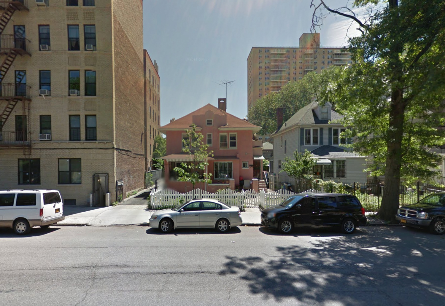 2434 Bronx Park East, via Google Maps