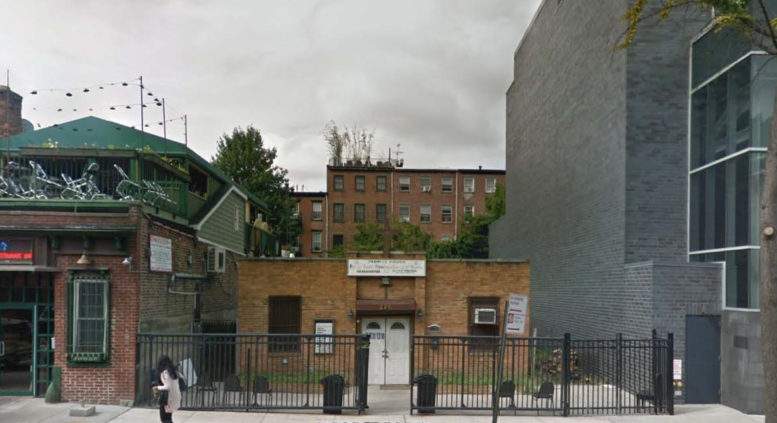 228 Vanderbilt Ave - Google Maps