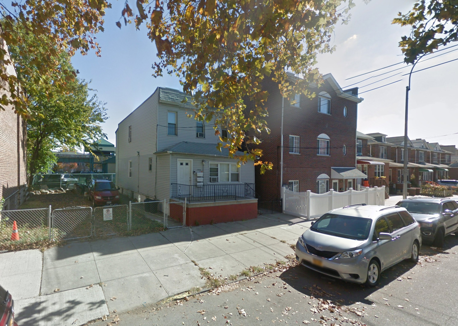 1950 Hobart Avenue, via Google Maps