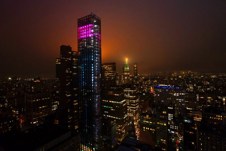 "Art-Installation-Debuted-at-Visionary-Architect-Rafael-Vinolys-277-Fifth-Ave03MD-777x519 NoMad's Skyline Lights Up With ""Aurora"" Atop 277 Fifth Avenue"