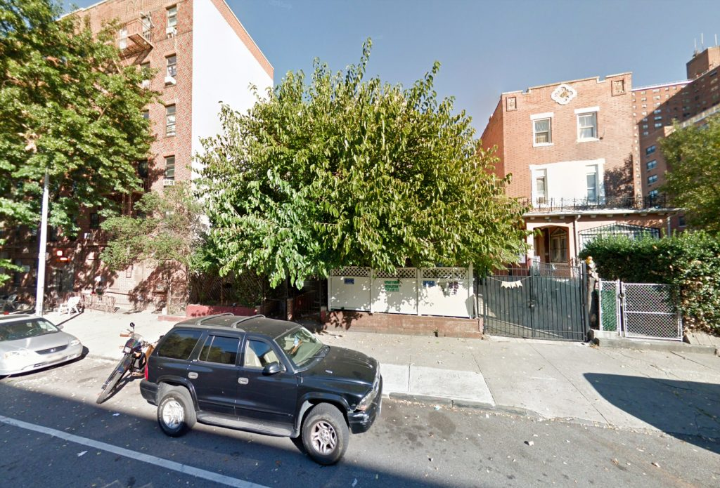 Recent images of the overgrown 707 Willoughby Avenue, via Google Maps