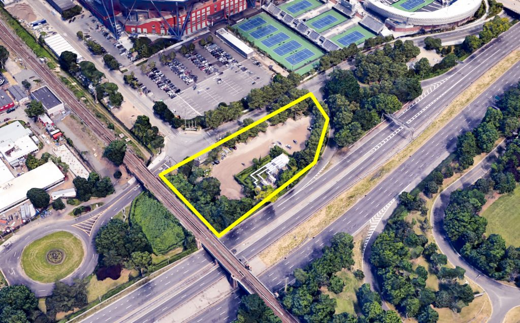 Another possible location for the broadcasting building closer to the Tennis Courts, but not on Roosevelt Avenue, image via Google Maps