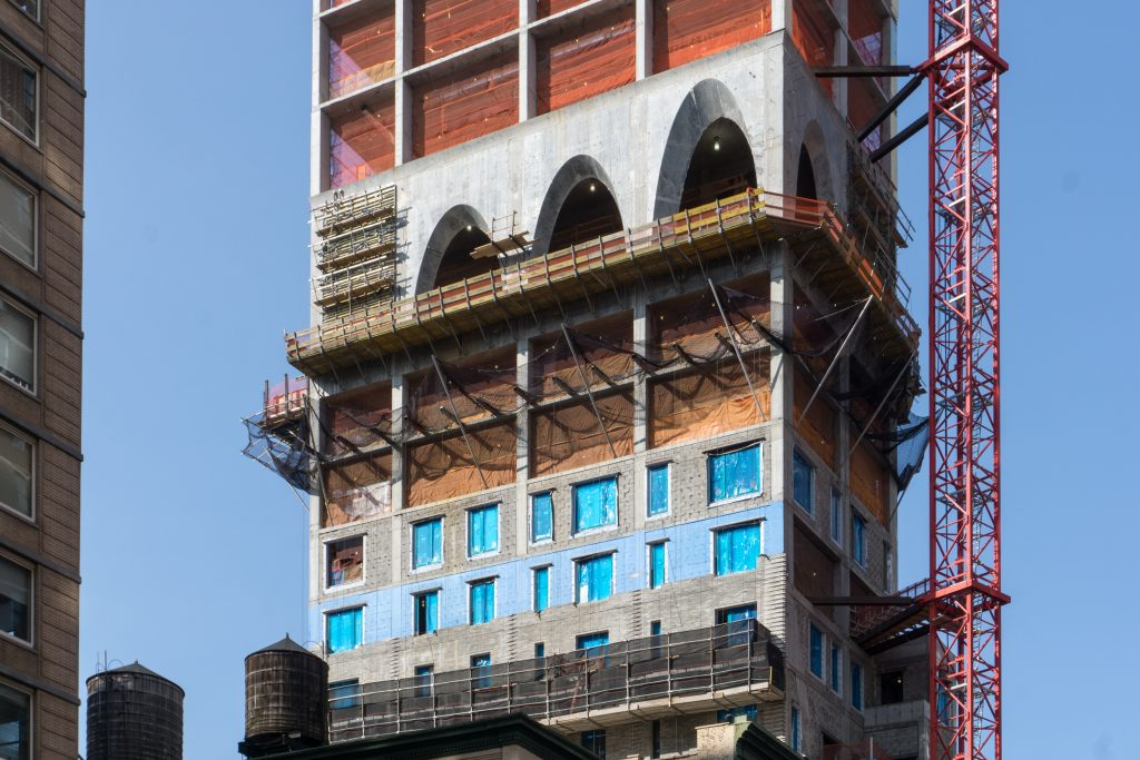 Arch closeup at 180 East 88th Street, image by Andrew Nelson