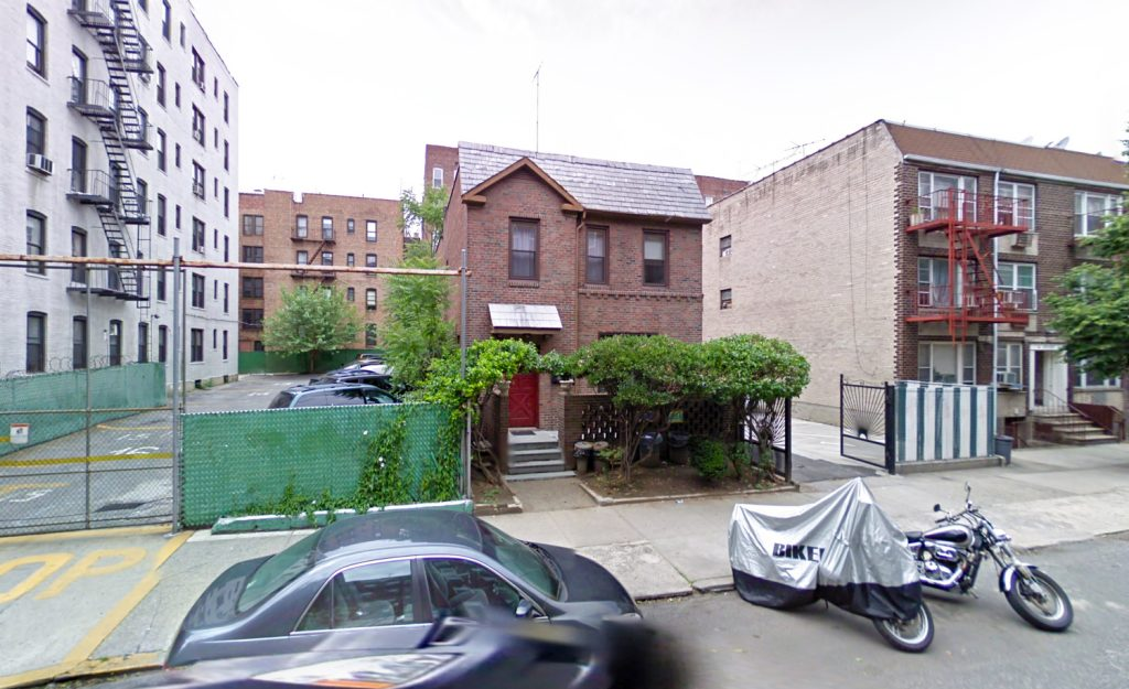 Prior Structure at 41-34 45th Street, via Google Maps