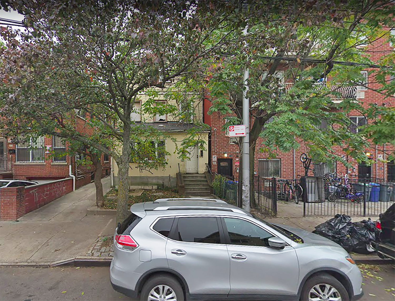 93-09 Lamont Avenue in Flushing, Queens