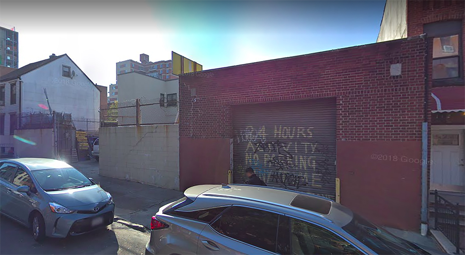 Existing garage structure at 114 15th Street (via Google Maps)
