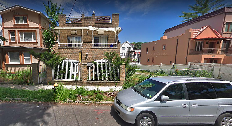 2733 East 27th Street in Sheepshead Bay, Brooklyn