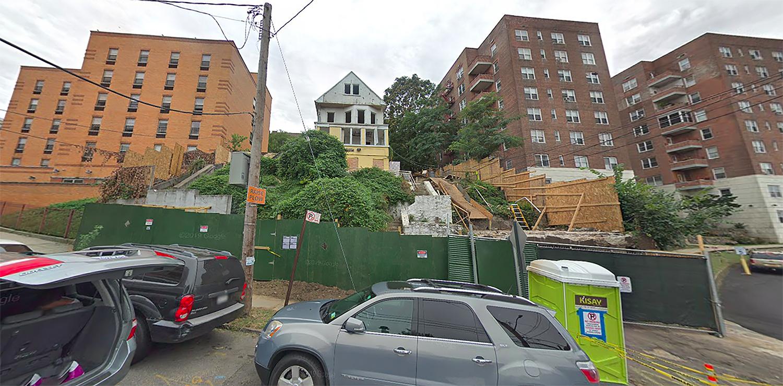 2660 Kingsbridge Terrace in Fordham Manor, The Bronx