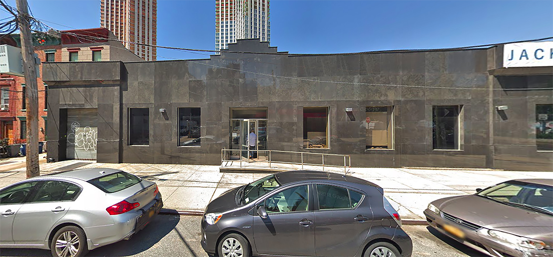23-20 Jackson Avenue in Long Island City, Queens