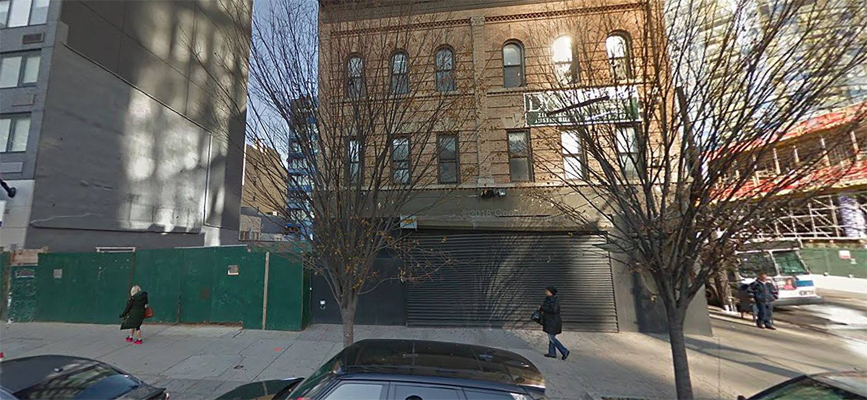 27-55 Jackson Avenue in Long Island City, Queens