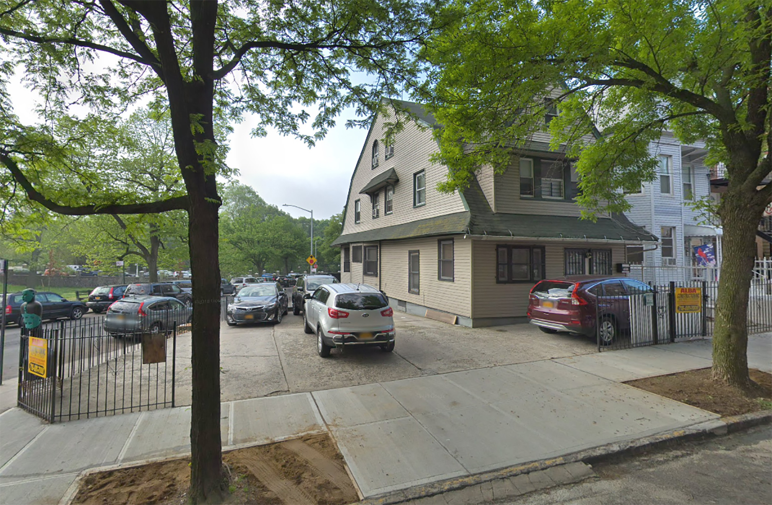 320 East Mosholu Parkway South in Jerome Park, The Bronx