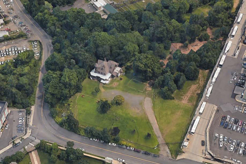 Aerial view of the existing site surrounding - Kreischer Mansion