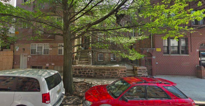 3178 Villa Avenue in Bedford Park, The Bronx