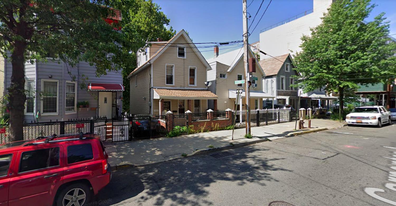 3823 Carpenter Avenue in Olinville, The Bronx
